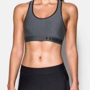 Medium size under armour sports bra